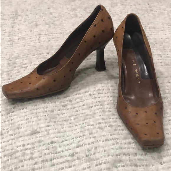 Nine West Shoes - Nine West size 5 leather pumps with polka dots
